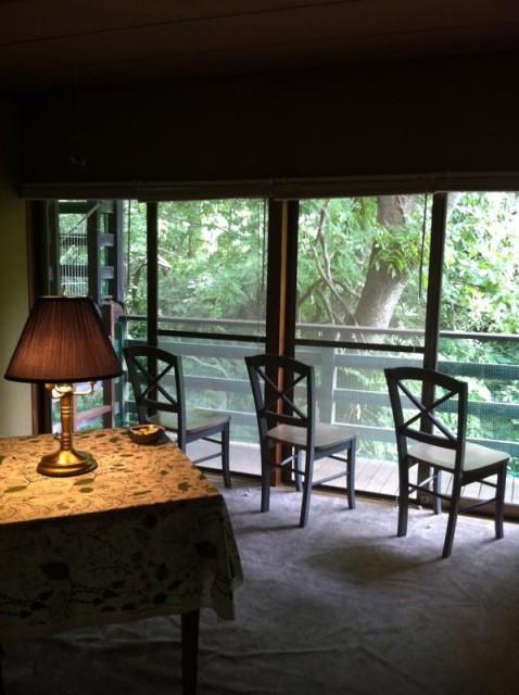 グラッドハウス森の家のリラックス室-800